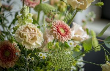 Bedrijfsaankleding verse bloemen